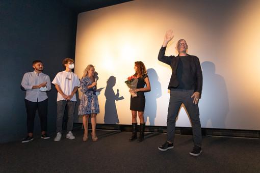 """Bra, applausi per Stefano Sardo e Valentina Gaia, ospiti al multisala Vittoria per il film """"Una relazione"""" (Foto)"""