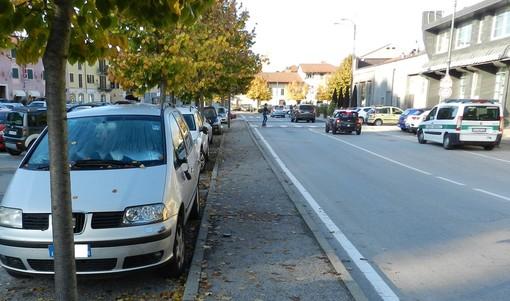 Bra: danneggia cinque auto in sosta, individuato dalla Polizia Municipale