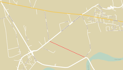 La linea tratteggiata individua per sommi capi il percorso della bretella destinata a collegare il ponte di Pollenzo con la Statale 231