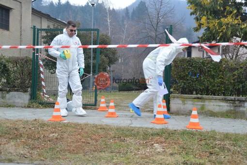"""L'aggressione è avvenuta all'esterno dei """"Giardini Annonay"""", dove i Carabinieri (in foto) hanno repertato le prime tracce ematiche"""