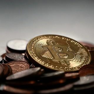 Gold's Fall e Bitcoin's Rise: cosa devi sapere