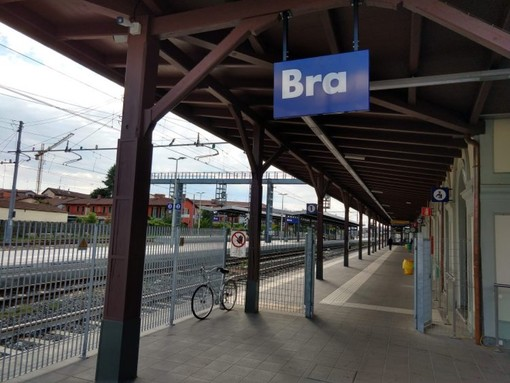 La stazione di Bra in una foto d'archivio