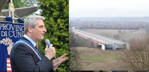 Il presidente della Provincia e sindaco di Cuneo, Federico Borgna, e l'autostrada ferma nella campagna di Cherasco