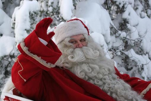 """Magliano Alpi, fedeli scrivono al vescovo: """"Il parroco ha negato l'esistenza di Babbo Natale di fronte ai bambini"""""""