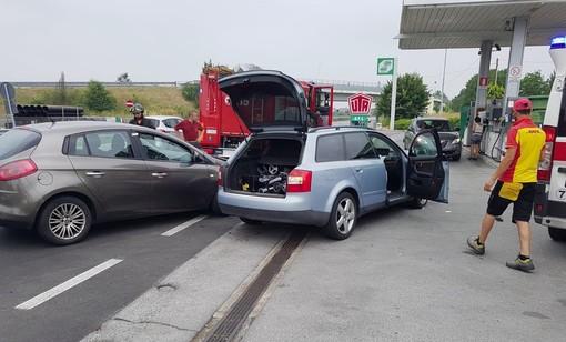La scena dell'incidente di questa mattina in via Don Orione a Bra
