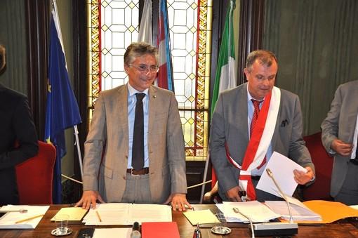 Carlo Bo, dal maggio scorso sindaco di Alba, e il presidente del Consiglio comunale Domenico Boeri