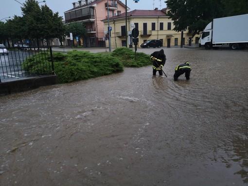 L'intervento dei Vigili del fuoco in via Bricco Luciano