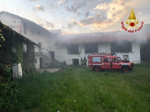 I Vigili del fuoco al lavoro a Busca