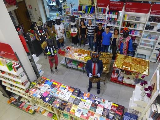 Bra, la storica libreria Crocicchio diventa Mondadori Bookstore