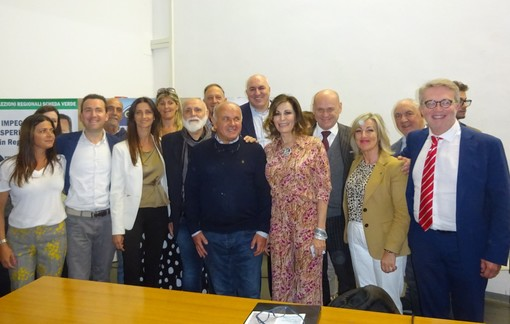 Foto di gruppo al termine dell'incontro tenutosi ieri all'Arpino