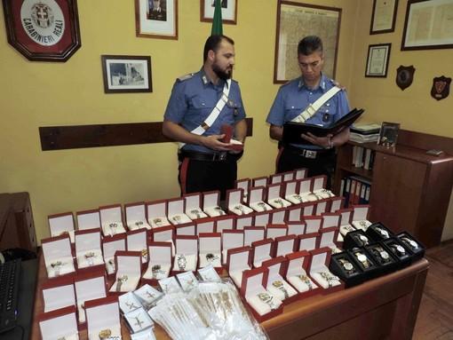 Il materiale sequestrato dai Carabinieri