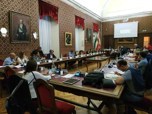 """""""Una situazione vergognosa e inammissibile"""": ancora senza risposta le domande dei consiglieri di Cuneo su piazza della Costituzione"""