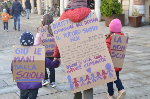 """Cuneo dice no alla DAD: """"Decisione inaccettabile"""" (GALLERY FOTO E VIDEO)"""