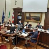 L'ambasciatore Pontecorvo insieme al presidente del consiglio Spedale e al sindaco Borgna