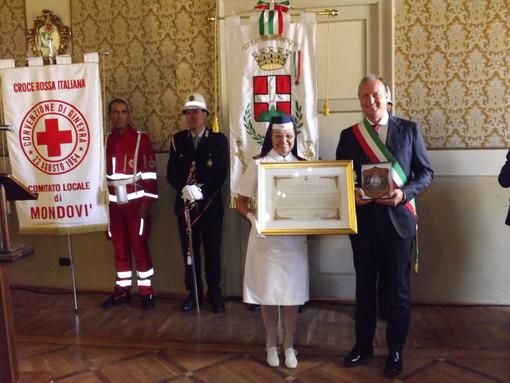 Mondovì: conferita la cittadinanza onoraria al Corpo delle Infermiere Volontarie della Croce Rossa Italiana (FOTO)