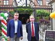 Il sindaco Faccenda col senatore Marco Perosino, presidente dell'Enoteca Regionale del Roero