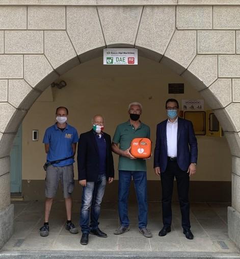 Banca Alpi Marittime dona un defibrillatore alla comunità di Piozzo