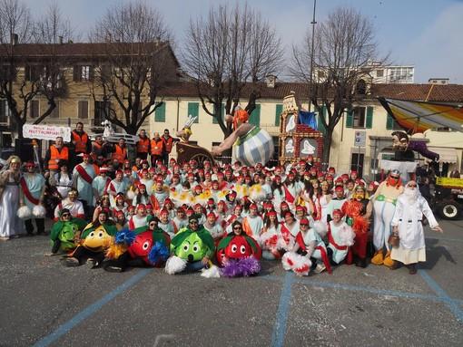 Il gruppo mascherato durante il Carnevale 2017
