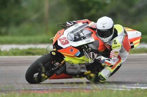 Motori: Cristian Fassi ottiene il titolo nella categoria 600cc della International Bridgestone Handyrace