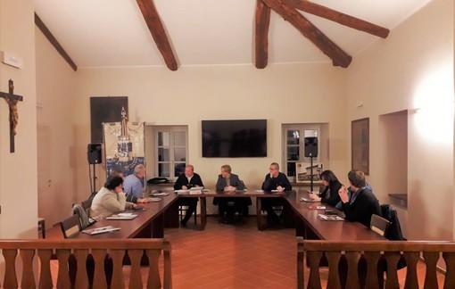 """L'assise riunita nella nuova sala consiliare del """"Palazzo don Stecca"""""""