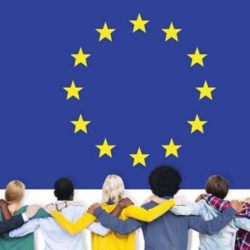 Equità fiscale: la Commissione avvia una consultazione pubblica riguardante il prelievo sul digitale