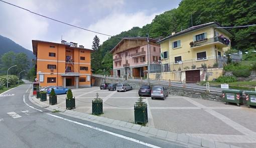 """Il Municipio di Casteldelfino, sede della cooperativa """"La Nocciolaia"""""""