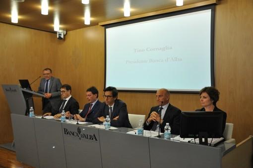 L'intervento di Tino Cornaglia. Al tavolo da sinistra Enzo Cazzullo, Luca Jeantet, Alain Devalle, Andrea De Giorgi ed Elena Boretto