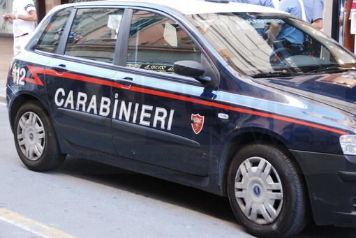 Furto e danni a spiaggia di Imperia: 30enne di Bra arrestato dai Carabinieri