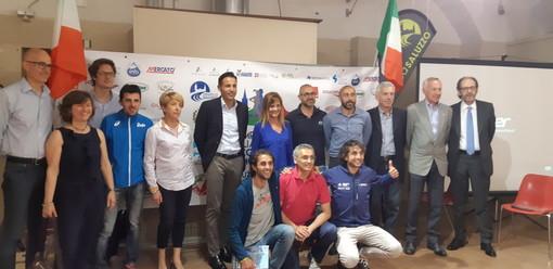 SAluzzo, foto di gruppo durante la presentazione della gara nazionale di corsa in montagna