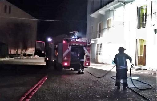 I pompieri al lavoro in viale Vittorio Veneto