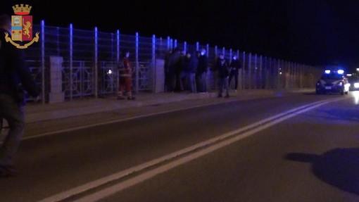 Cuneo: la polizia interviene sul viadotto Soleri per soccorrere un giovane uomo