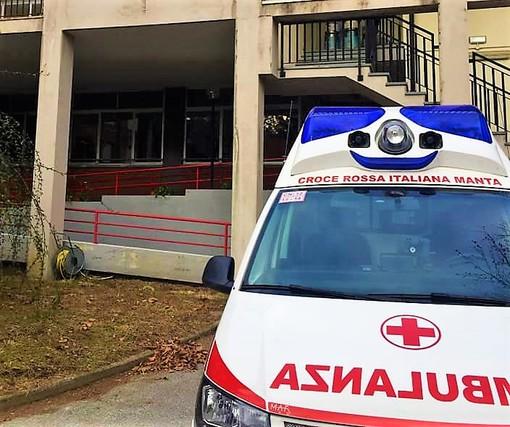 """Un'ambulanza della Croce rossa Manta ha fornito assistenza durante le vaccinazioni al """"Maero"""""""