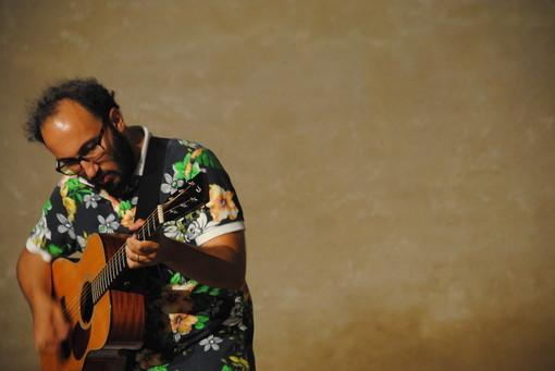 Il chitarrista albese Filippo Cosentino sarà in tournée dal 24 al 28 settembre a Berlino