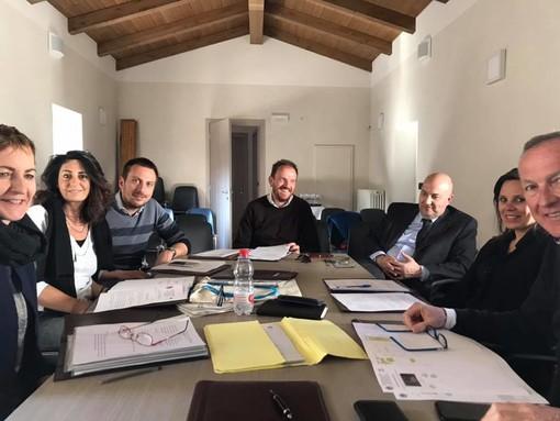 La riunione di Giunta immortalata dal sindaco Calderoni