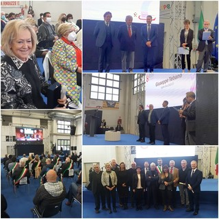 Momenti della consegna dei premi Fedeltà al lavoro della Camera di Commercio