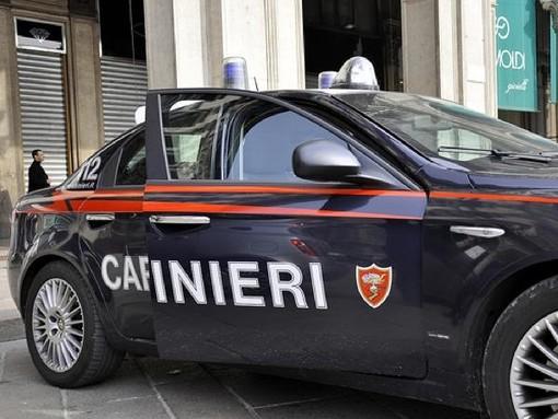 Bra, inseguiti e arrestati dopo la fuga all'alt dei Carabinieri: erano a bordo di un'auto rubata a Racconigi