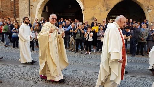 """Tampone negativo, Monsignor Derio Olivero è guarito: """"Ringrazio di cuore coloro che hanno pregato per me"""""""