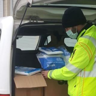 Solidarietà ai tempi del Coronavirus: Alpini di Mondovì e Saluzzo donano tute protettive alla centrale operativa del 118