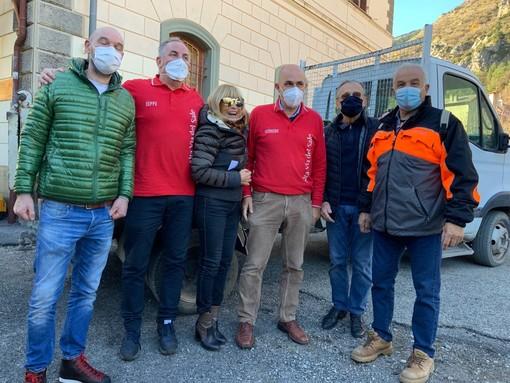 Treno della Solidarietà da Cuneo a Tenda e a Le Brigue: consegnate le derrate alimentari offerte dalle realtà produttive del Cuneese
