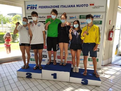 Nuoto: due argenti e un bronzo per il cuneese Eduard Timbretti Gugiu