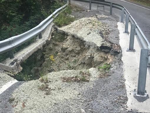"""Appello pubblico alla Provincia: """"Ripristinate la carreggiata che conduce a Valcasotto"""""""