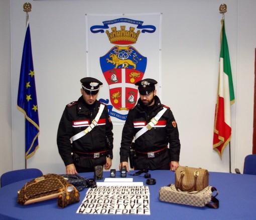 I materiali sequestrati nell'operazione di ieri al campo nomadi Pinot Gallizio di Alba