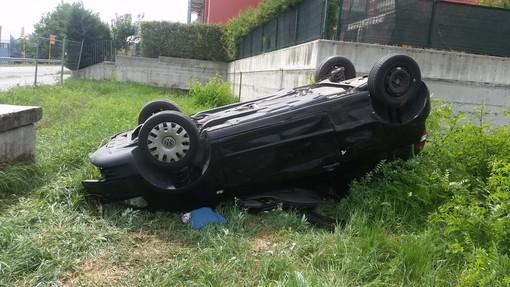 Fossano, incidente lungo via Salmour: coinvolti un'auto e un furgone
