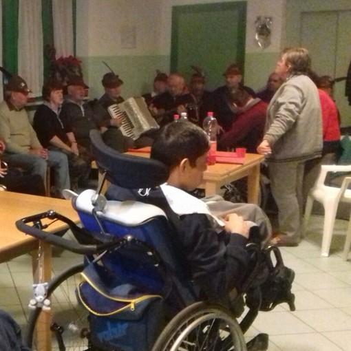"""Festa alla """"Comunità Valentina"""" di Caraglio con il locale gruppo Alpini"""