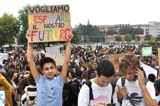 Un momento dello sciopero per il clima ad Alba