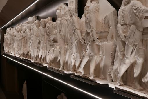 Racconigi: al Castello torna a splendere il fregio Palagiano restaurato