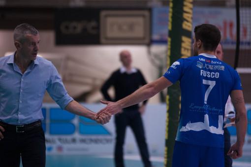 """Volley A2 maschile - Vetta solitaria per la Synergy Arapi f.lli Mondovì, Coach Fenoglio: """"Gruppo fantastico, sono contentissimo"""""""