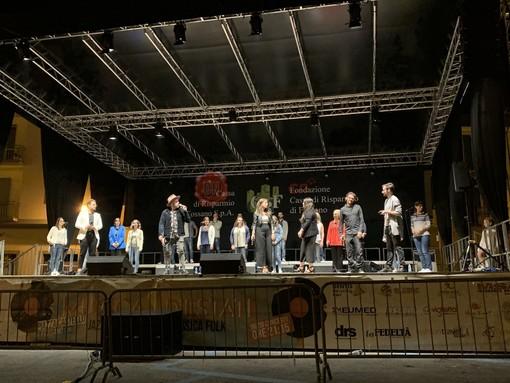 Gli artisti sul palco