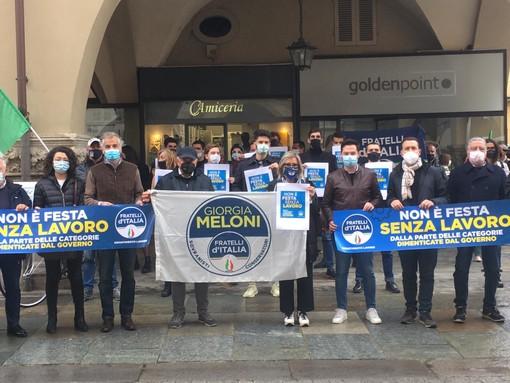 """""""Non è festa senza lavoro!"""": anche Fratelli d'Italia in piazza a Cuneo"""