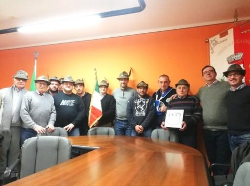 Storico cambio al vertice del gruppo Alpini di Rocca Cigliè: redini affidate a Cristian Baricalla